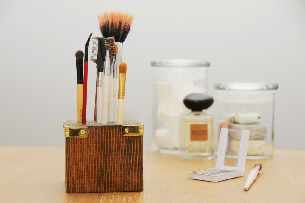 Try This At Home Scrap Wood Make Up Brush Holder Earnest Home Co