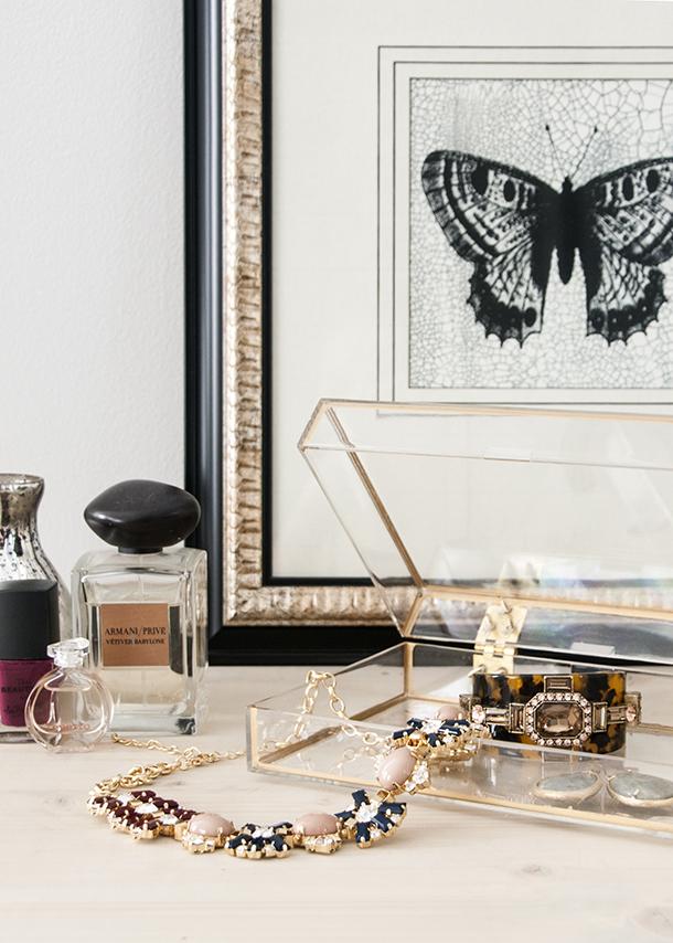 gold frame acrylic jewelry box