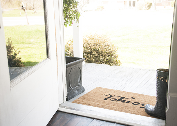 stenciled door mat DIY