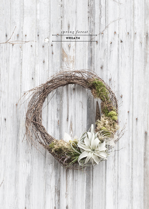 minimal spring living wreath