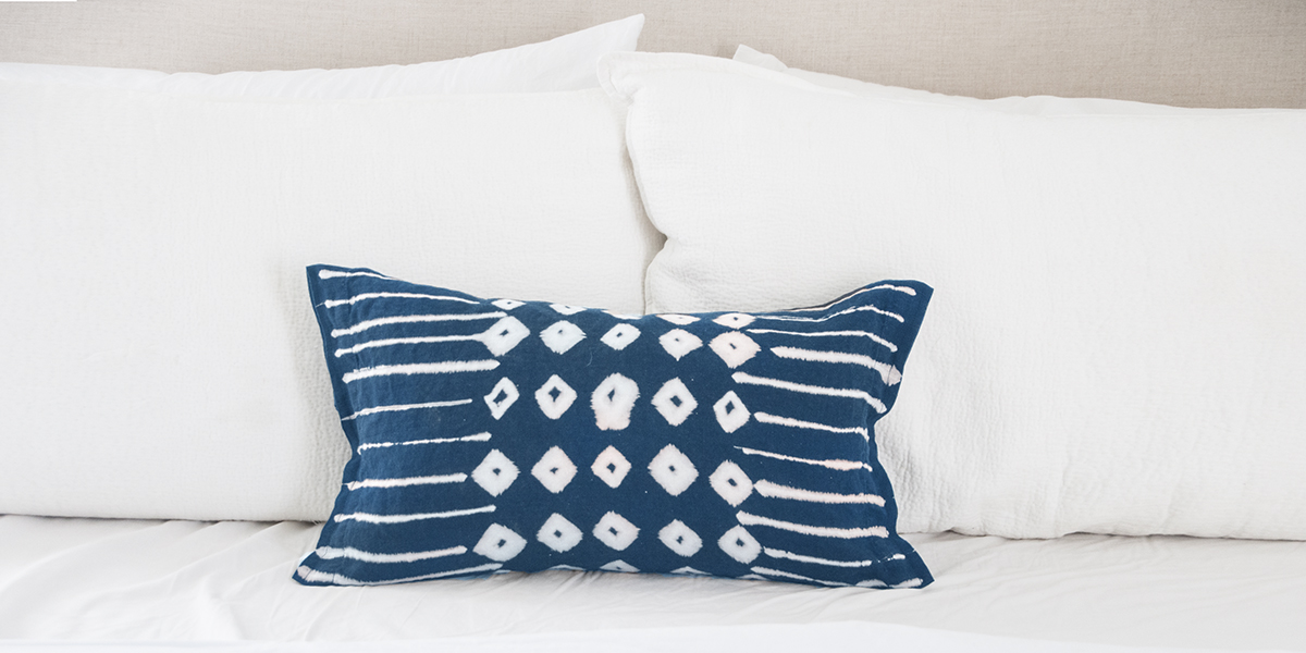 indigo pillow 1200