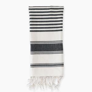 kira towel white square