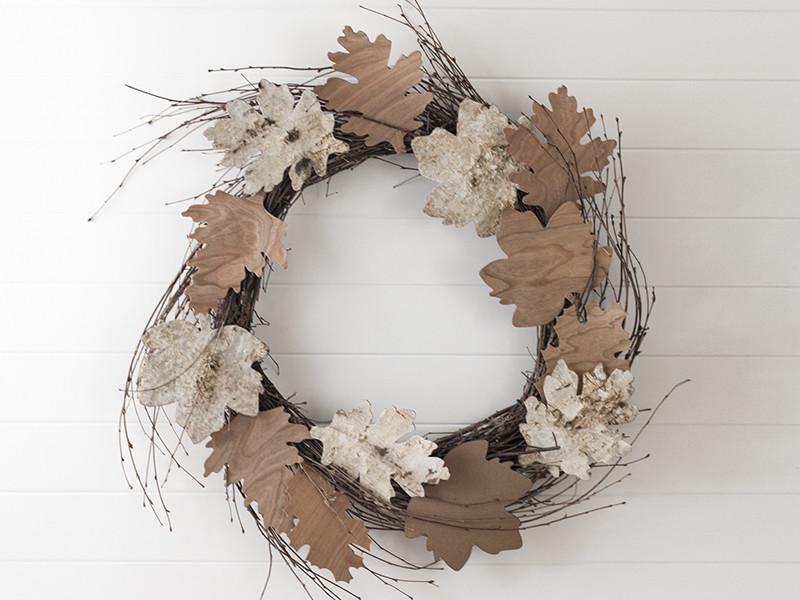 wood-leaf-wreath-hero